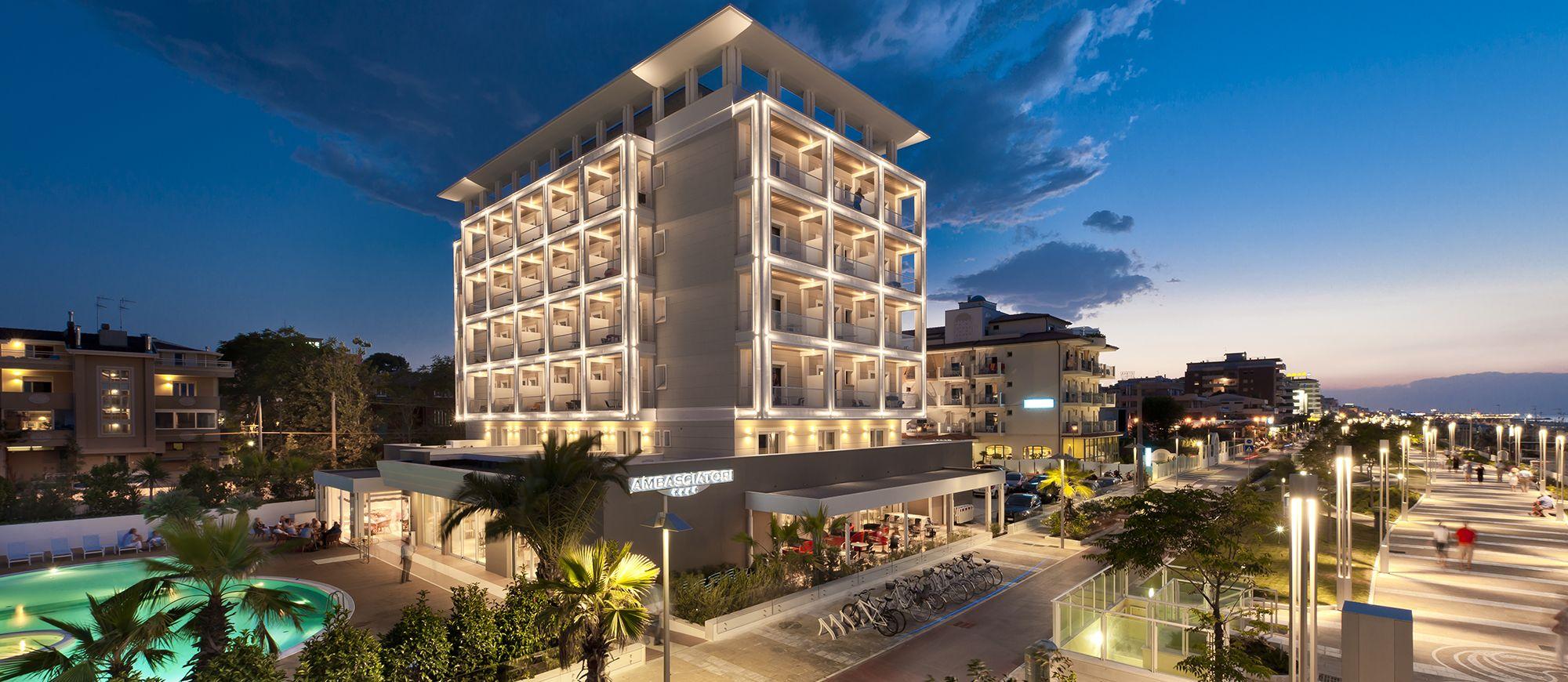 Hotel 4 stelle riccione alberghi con piscina centro for Hotel siracusa 3 stelle