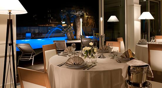 Hotel Ambasciatori Riccione SPA cena piscina