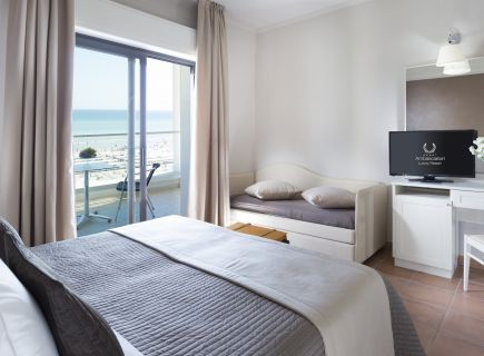 Hotel Ambasciatori Riccione camera vista mare